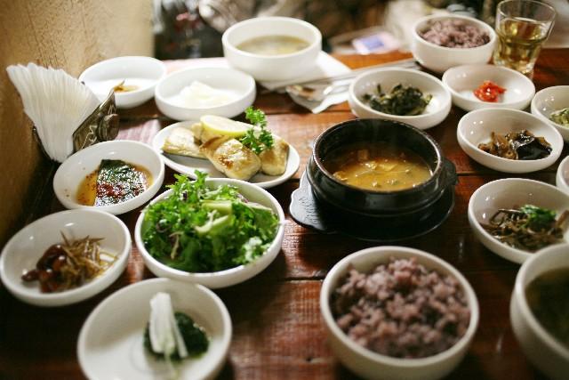 韓国と日本の違い。食文化の違い、習慣やマナーの違いとは?