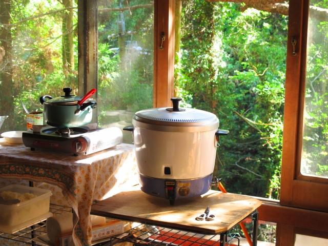 ガス炊飯器vs電気炊飯器!保温にかかる電気代はどのくらい?