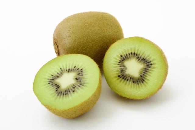 キウイフルーツの栄養&オシャレに可愛く見せる切り方とは?