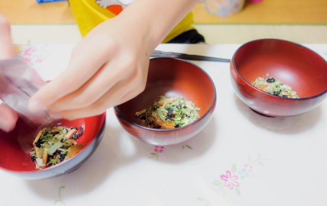インスタント味噌汁の栄養や効果的な食べ方とアレンジ方法