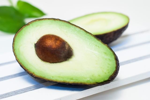 アボカドは野菜と果物どっち?アボカドの栄養効果はすごい!