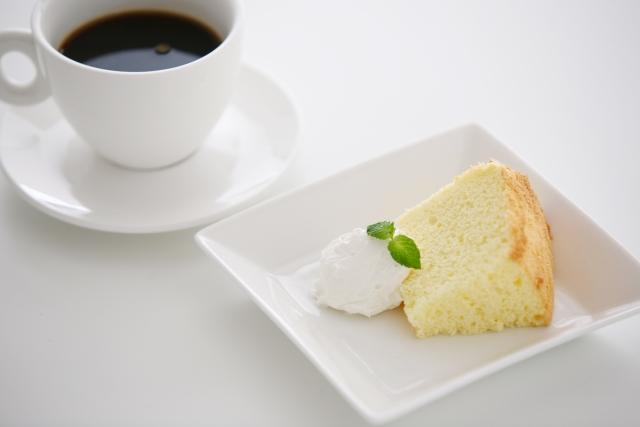 会社などでのマナーの良いコーヒー&ケーキの出し方とは!?