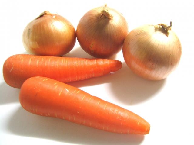 にんじん・たまねぎの特徴と栄養!サラダに適した野菜とは?