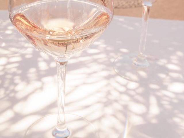 赤・白・ロゼ3つのワインの違いは?ロゼワインの意味とは?