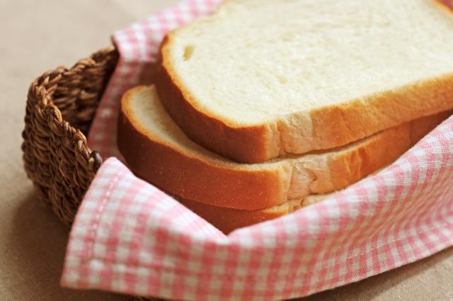 一歳半の食事の適量ってどのくらいなの!?パンの栄養とは?