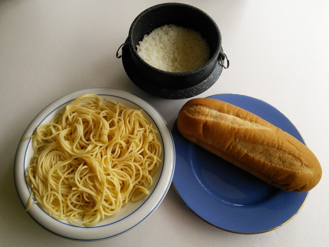 ダイエット中!米・パン・パスタなどで糖質が多い主食は!?
