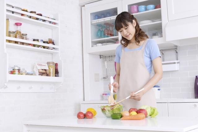 野菜をサラダ用にカットしたときに美味しさを保つ保存方法