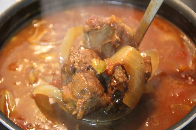 絶品!牛筋を使ったカレーや煮込み料理のレシピのご紹介