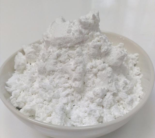 片栗粉と小麦粉のカロリー差は?栄養成分の違いと使い分け