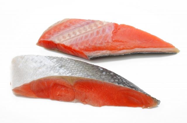 鮭の切り身の焼き時間は調理方法や調理器具によって変えよう