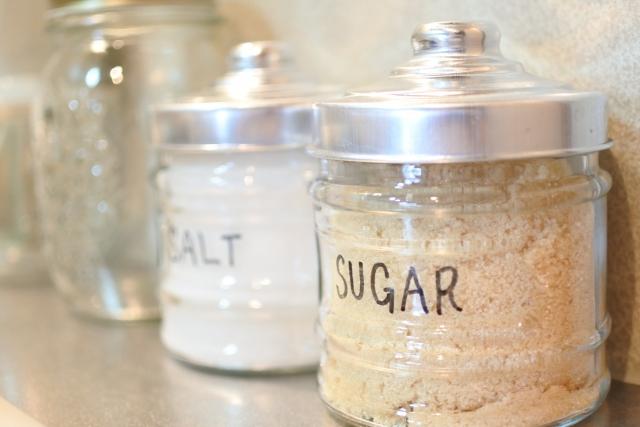 塩や砂糖など調味料の保存場所はどこが適切なの?