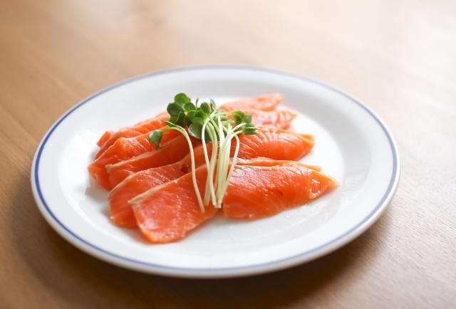 トラウトサーモンと鮭は違う魚だった?!その違いとは?