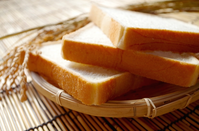 朝はパン派の人が食べる食パンの平均枚数はどのくらいなの?