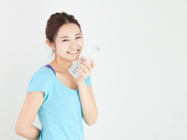 うるおいをキープ!体内の水分を増やすために必要なことは?