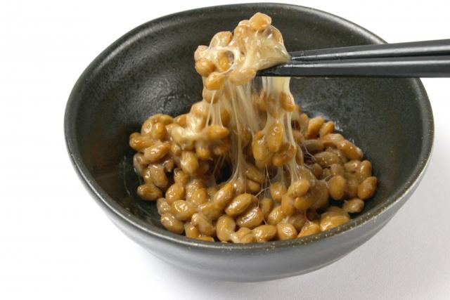 納豆やレンコンのネバネバ食材を使ってサラダ作りをしよう!