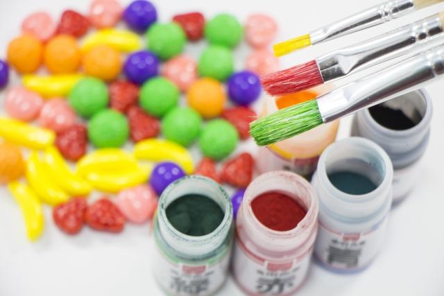 食品に使われる着色料に虫が使われていることへの安全と弊害
