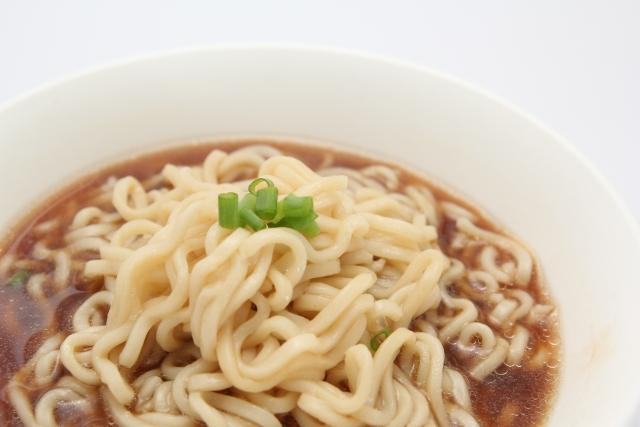 即席醤油ラーメンの誕生秘話!インスタント麺の栄養価は?