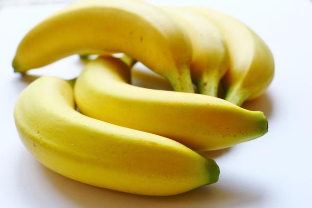 外食メニューはバナナ5本のカロリーより高い?低い?
