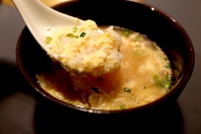 電子レンジで卵雑炊が作れる!レシピやアレンジ方法のご紹介