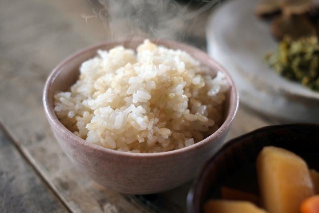 玄米のカロリーはどれくらいある?白米一膳とどちらが高い?