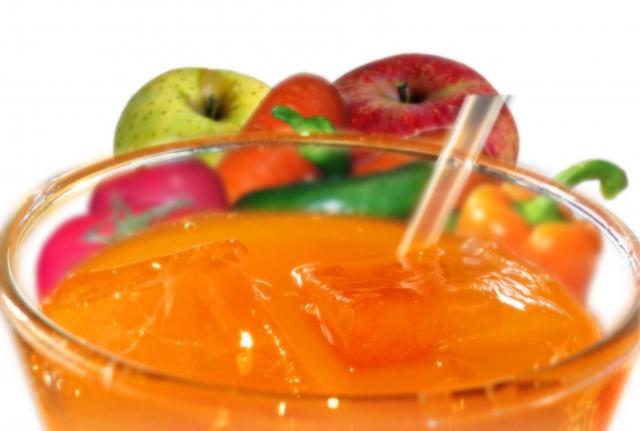 野菜不足を解消する野菜ジュース500mlのカロリーは多い?