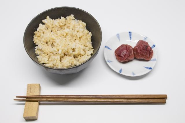 玄米ダイエットで痩せたというブログが人気になっています!
