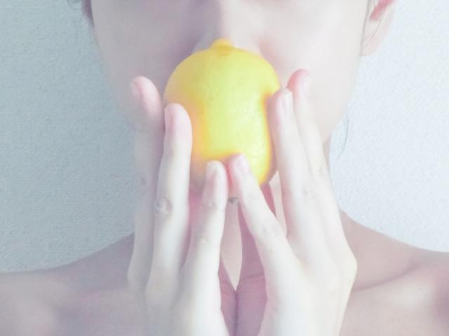 美肌は食から!食生活改善でニキビや毛穴の開きを解消しよう